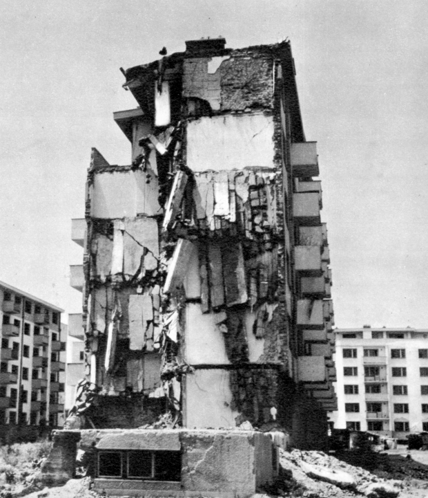 06_Зграда н. Карпош 2