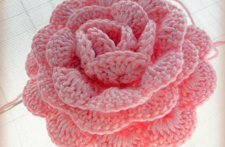 Плетена роза