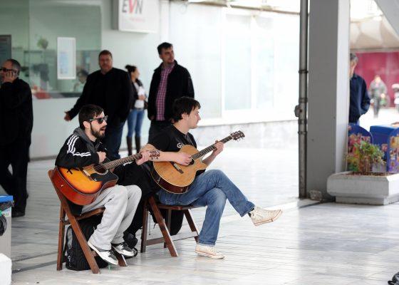 370047-ulichni-muzichari-i-artisti-vo-skopje