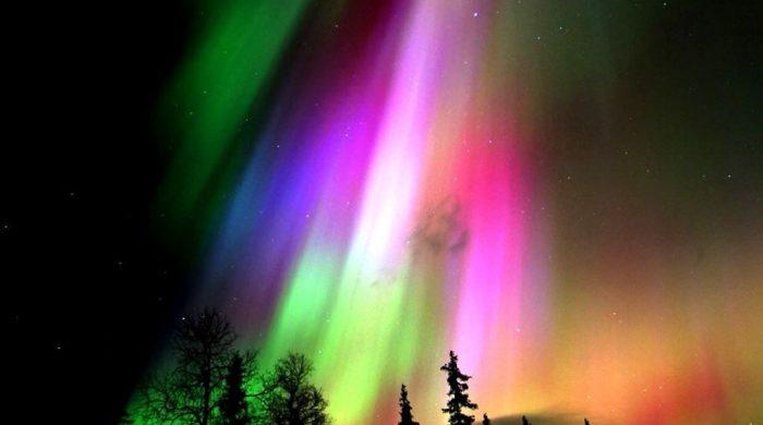 finland-colorful-aurora-borealis-wallpapers-1024×768-1024×768