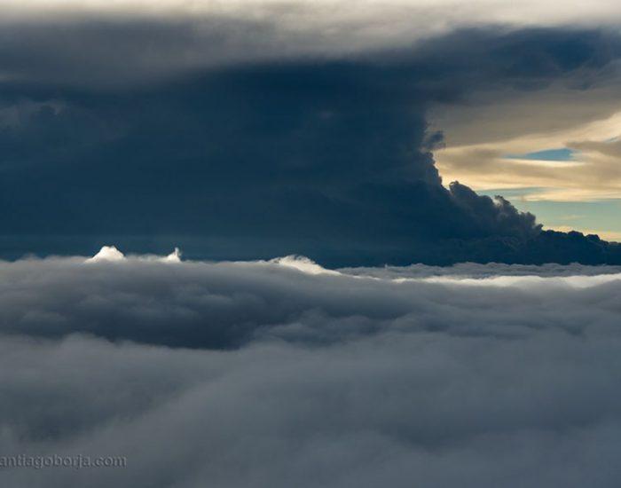 pilot-clouds-lightning-night-skies-santiago-borja-lopez-21-591954dd0f352__880