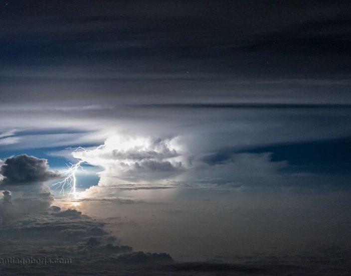 pilot-clouds-lightning-night-skies-santiago-borja-lopez-23-591954e15c007__880